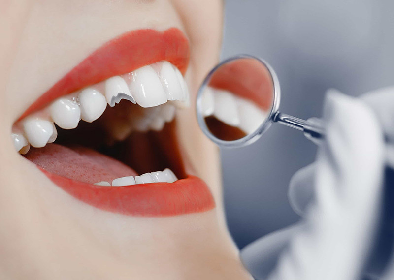 Ashford Dental Centre broken-teeth-1 5 Dental Emergencies You Should Never Ignore Uncategorized  Oral Hygiene General Wellness Dental Health